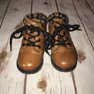 Oshkosh B'gosh all weather boots size 7